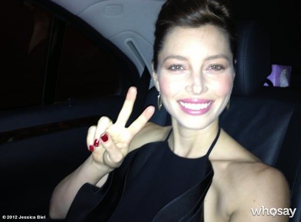Jessica Biel flashed a peace sign.  Source: Jessica Biel on Who Say