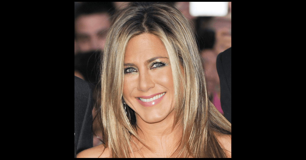 pictures of jennifer aniston new november haircut 2013