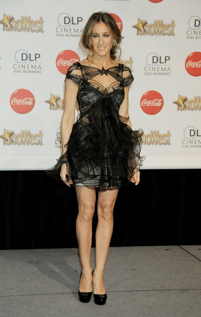 SJP wore a breathtaking starry Marchesa confection with classic black pumps and a face-framing 'do at the 2010 ShoWest Awards in Las Vegas.