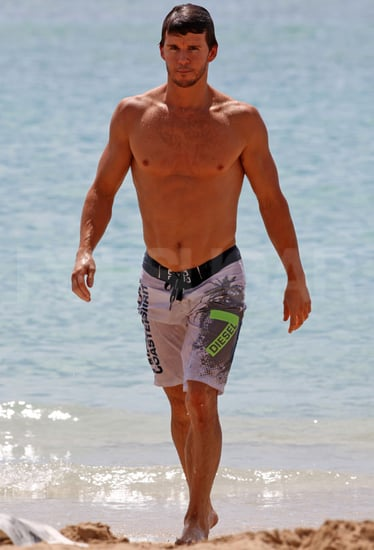 Pictures of Ryan Kwanten Shirtless In Hawaii