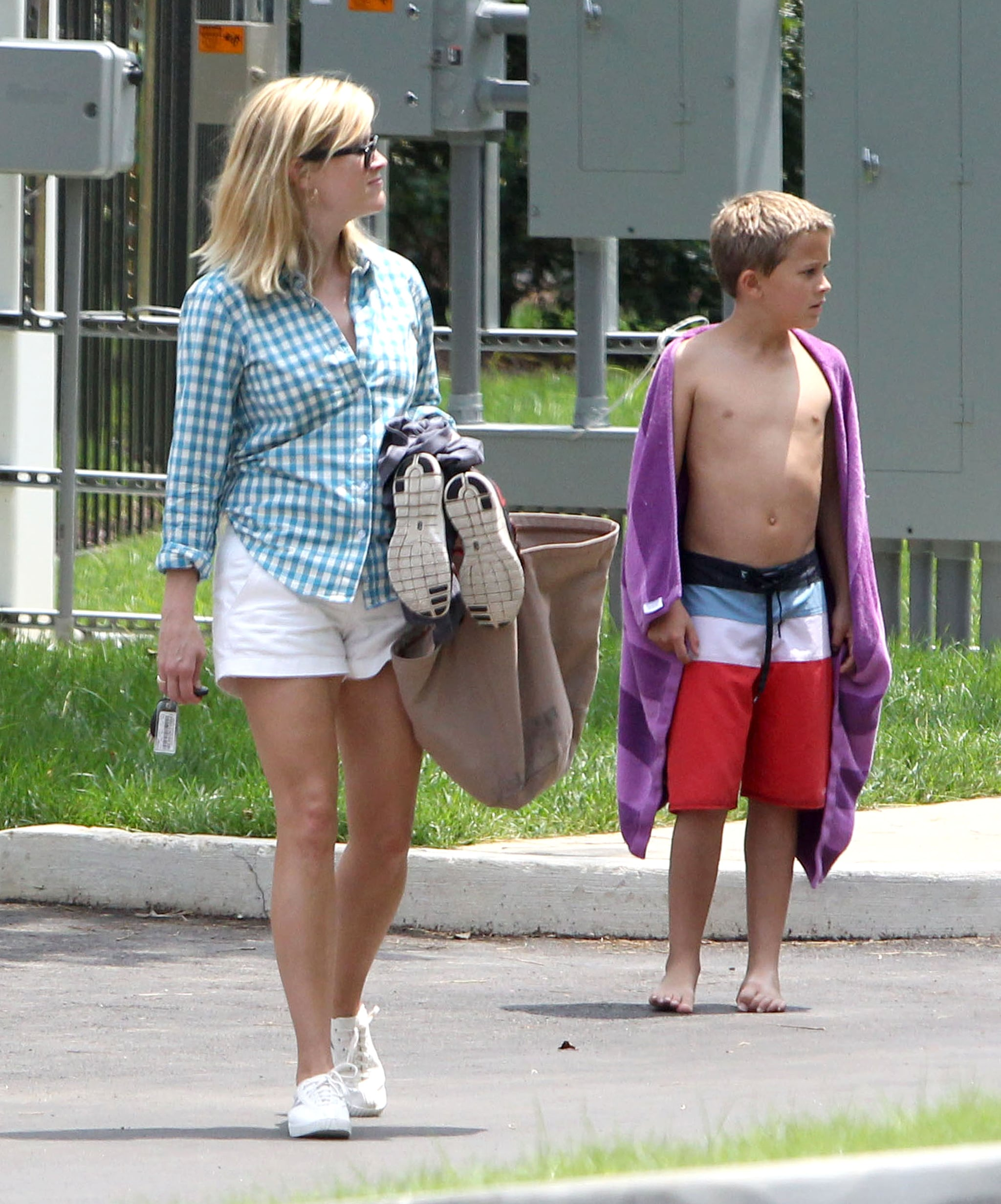 Reese Witherspoon accompanied her son Deacon on a trip to the pool in Nashville.