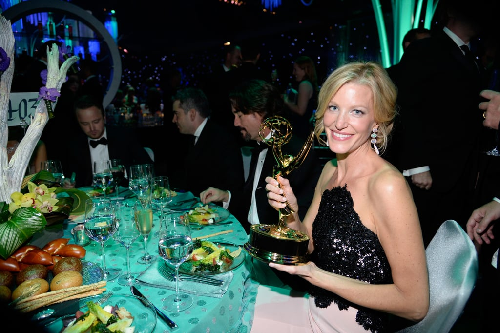 Anna Gunn posed with her trophy at the 2013 Emmys Governors Ball.