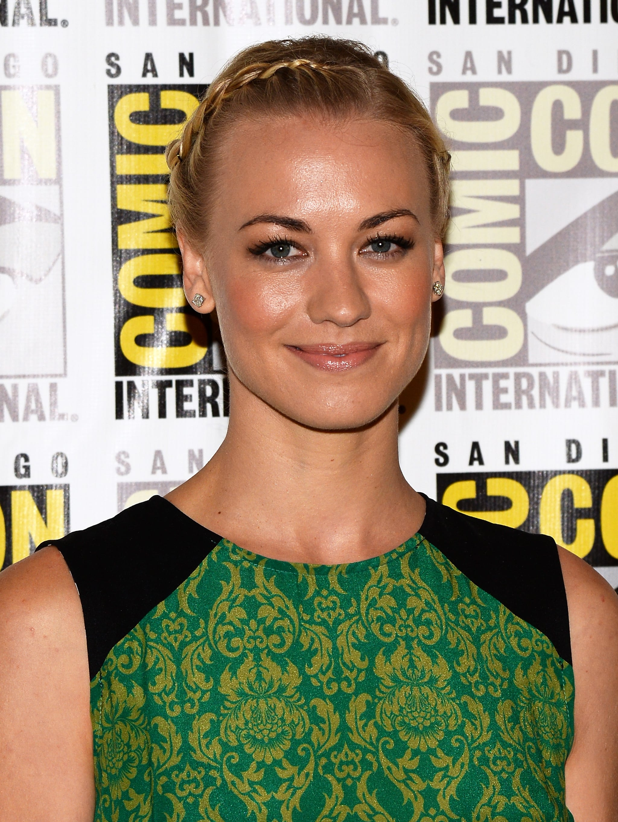 Yvonne Strahovski opted for a cool hairstyle on the press line for I, Frankenstein.