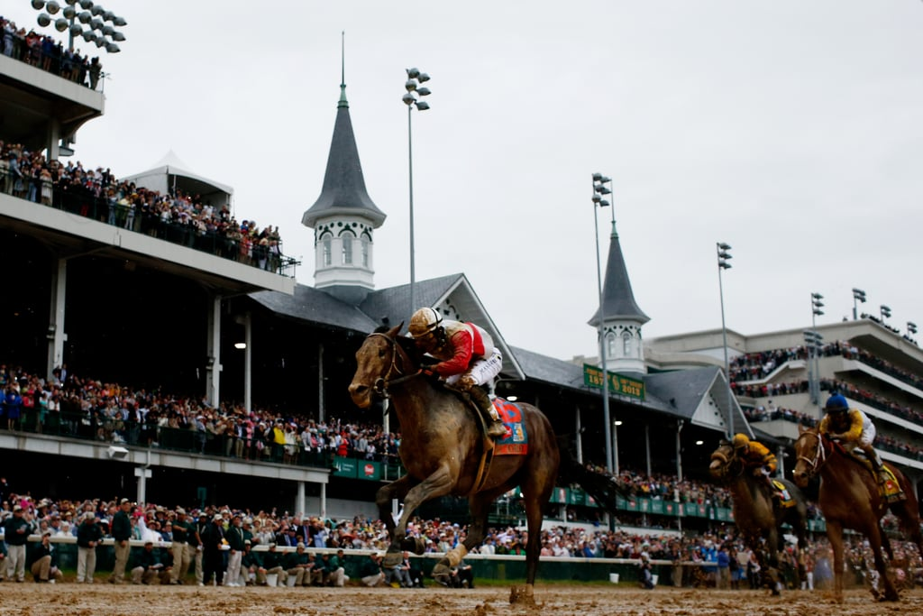 Around the final stretch, Orb pulls away from Golden Soul and Revolutionary.