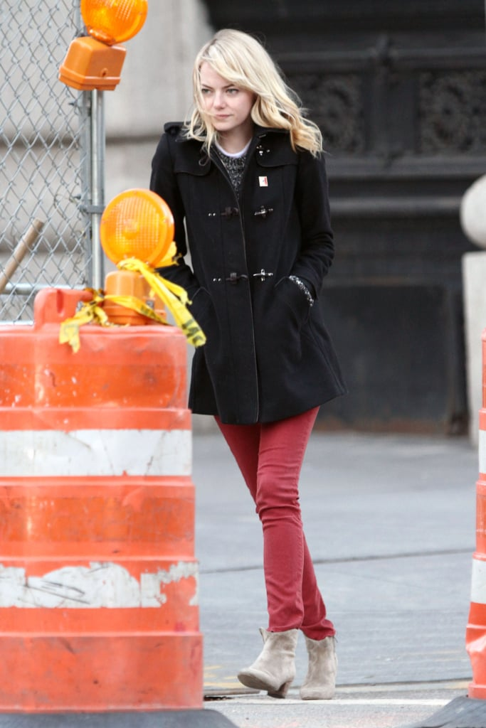 Emma Stone walked around NYC.