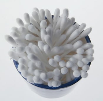 Cotton Swabs Dipped in Alcohol Make Laptop and Cell Phone Batteries Last Longer
