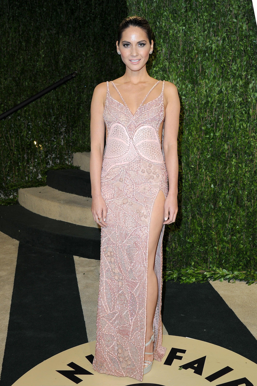 Olivia Munn arrived at the Vanity Fair Oscar party on Sunday night.