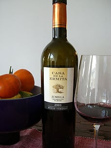 Spain Introduces the World to Light Wine