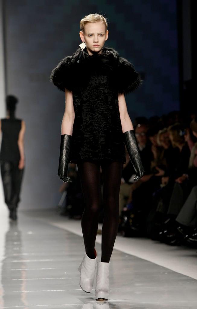Milan Fashion Week: Mila Schon Fall 2009