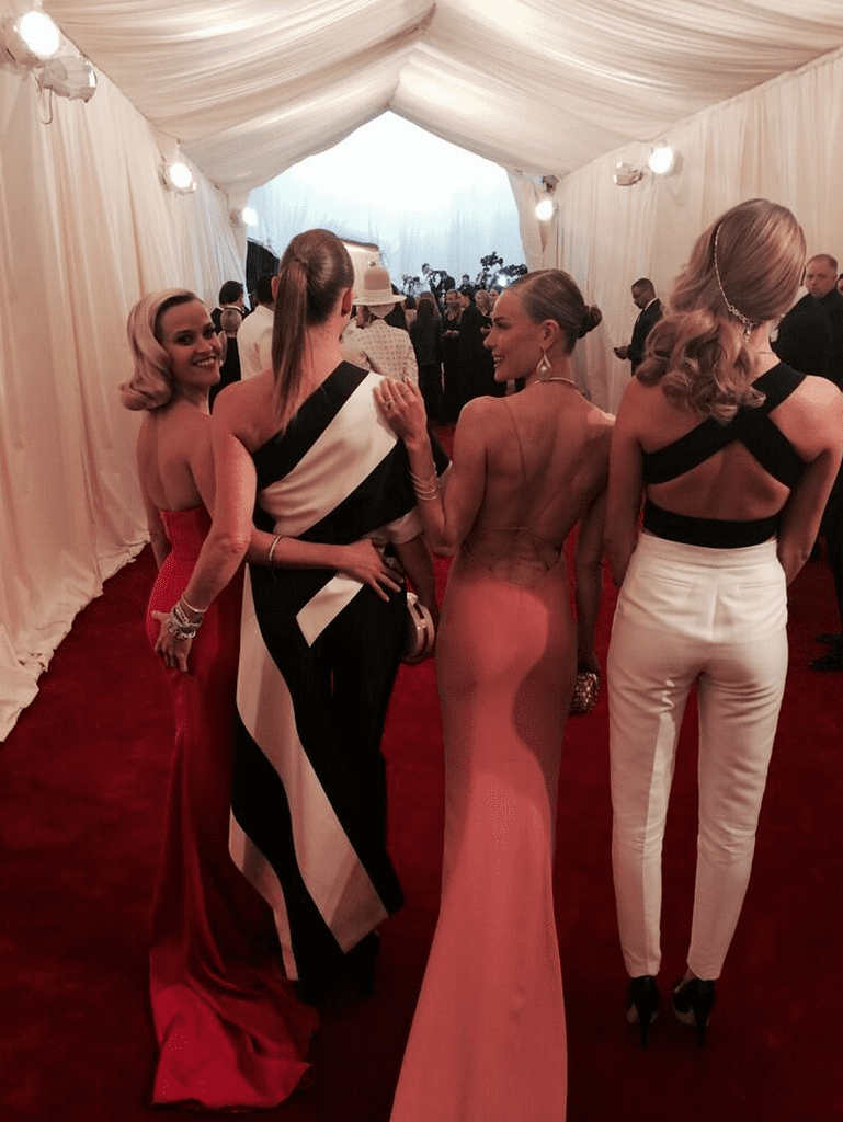 Reese Witherspoon and Stella McCartney traded squeezes as they entered the bash. Source: Twitter user voguemagazine