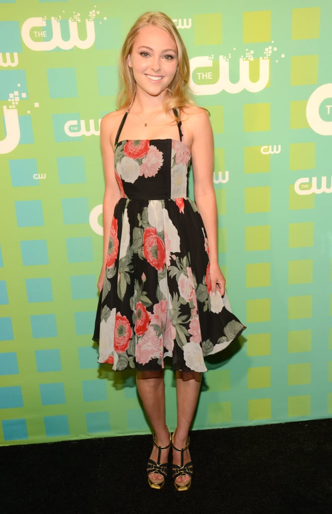 The Carrie Diaries star AnnaSophia Robb beamed a bright smile for photographers.