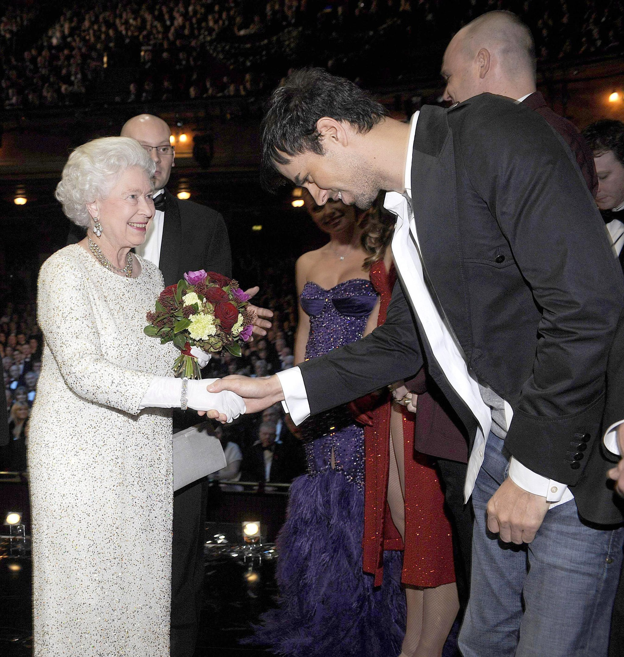 Enrique Iglesias met Queen Elizabeth at the Royal Variety Performance in Liverpool in December 2007.