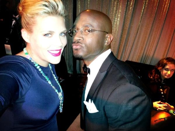 Busy Philipps and Taye Diggs got ready to present a SAG. Source: Twitter User BusyPhilipps25