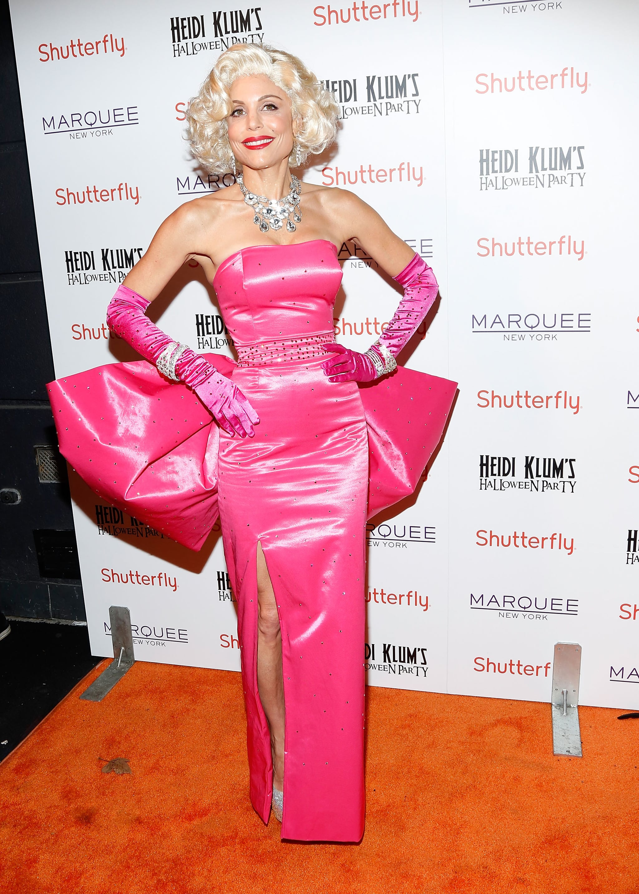 Bethenny Frankel channeled old-Hollywood glamour at Heidi Klum's annual Halloween party in NYC.