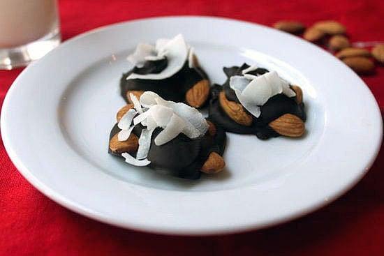 Sweet: Paleo Dark-Chocolate Nut Clusters