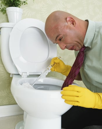 Casa Quickie: Clean Your Toilet With a Coke