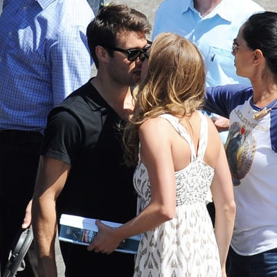 Emily VanCamp and Joshua Bowman Kiss on Revenge Set