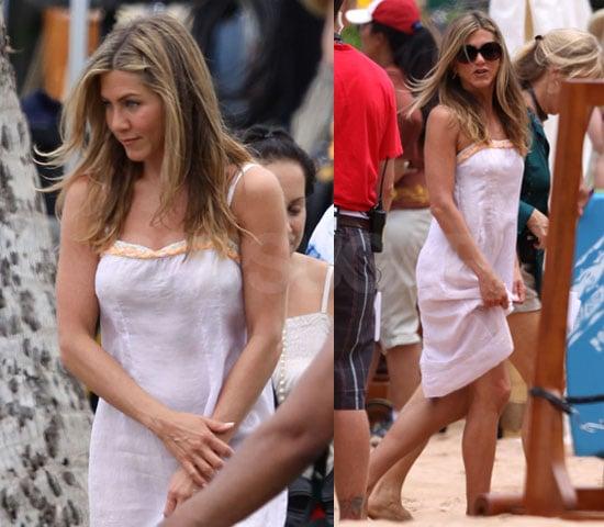 Pictures of Jennifer Aniston on Set