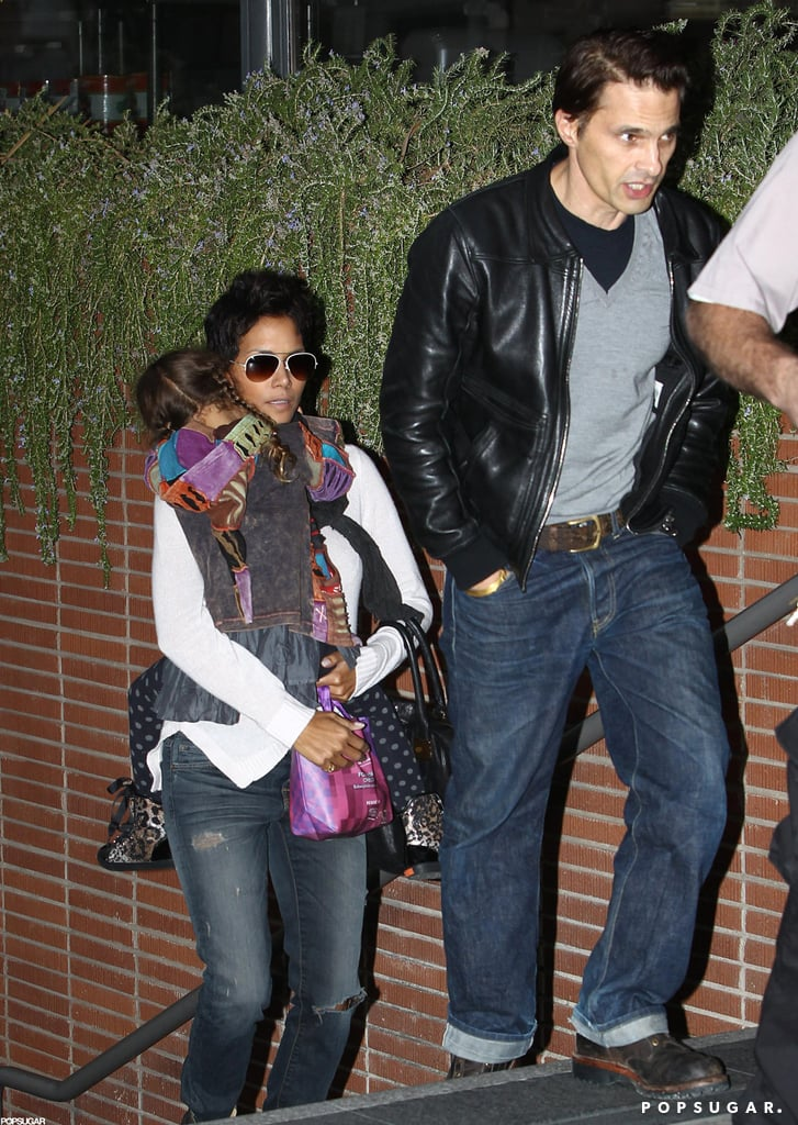 Halle Berry carried Nahla Aubry into a movie theater with Olivier Martinez.
