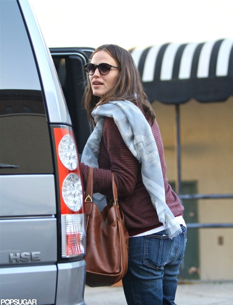 Jennifer Garner helped Seraphina Affleck out of their car.