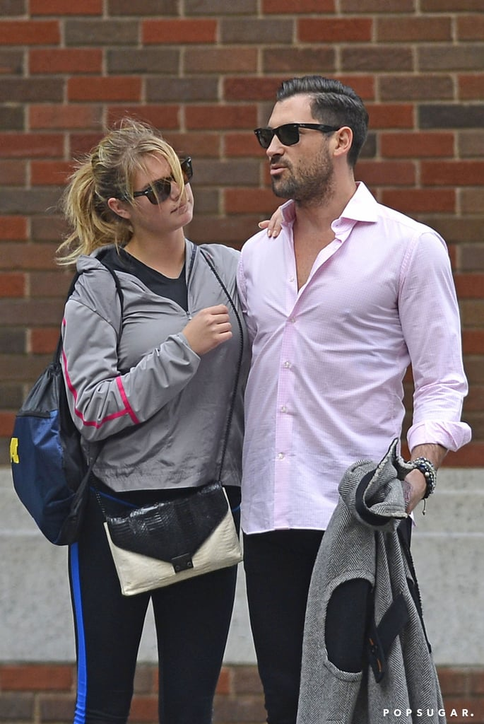 Kate Upton and Maksim Chmerkovskiy are dating.
