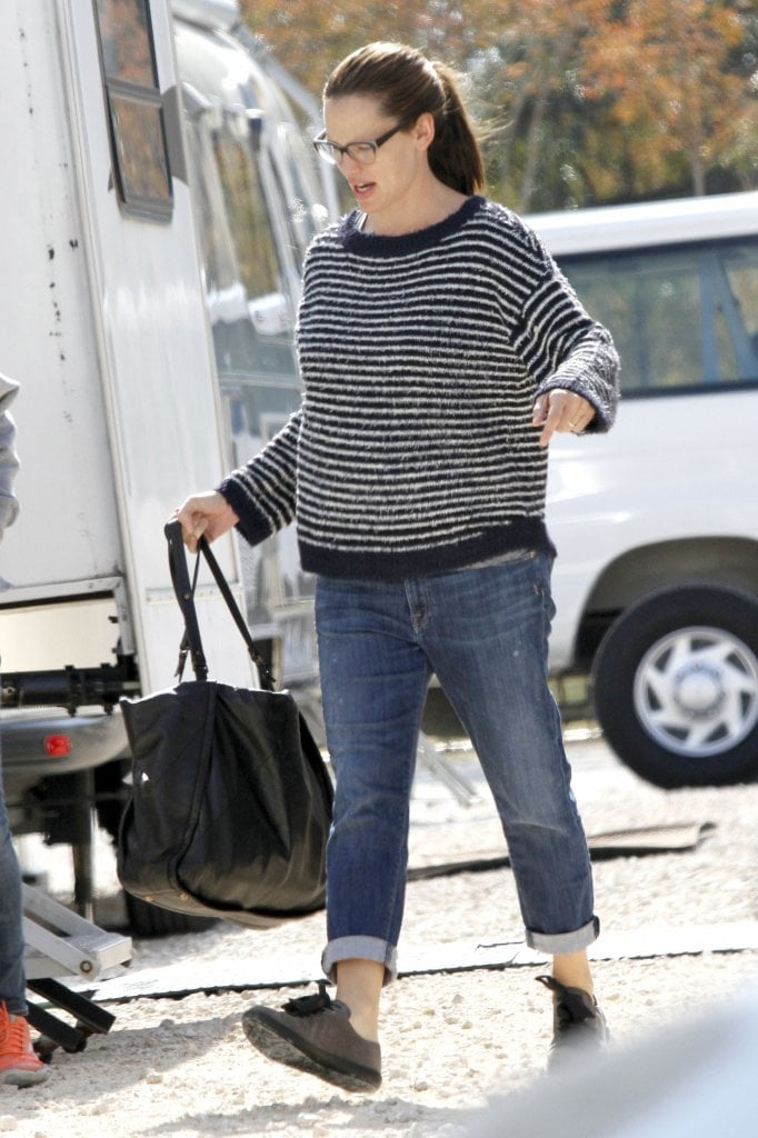 Jennifer Garner kept it casual in a sweater and jeans.
