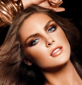 Estée Lauder Goes For the Gold This Fall