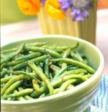 Old-Fashioned Side: Garlicky Green Beans