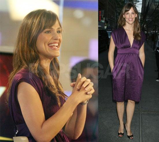 Jennifer Garner Gets Giddy in NYC