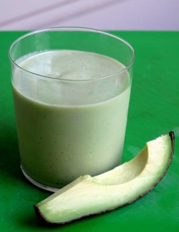 Healthy, Fast Avocado & Pear Smoothie Recipe