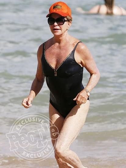 Goldie Hawn Looks Amazing at 70 on Hawaiian Beach Vacation