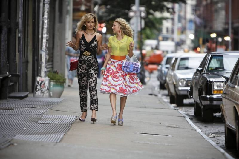 The Carrie Diaries Lindsey Gort as young Samantha and AnnaSophia Robb in The Carrie Diaries.
