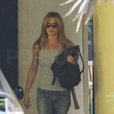 Jennifer Aniston Out in LA 2008-10-27 16:00:00