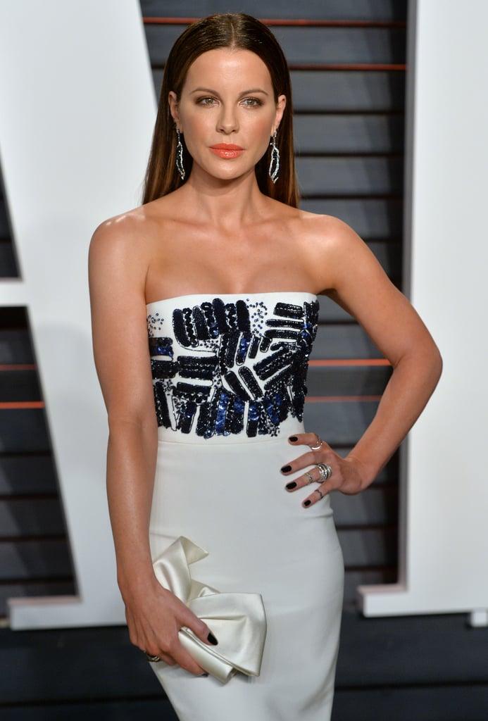 Kate kept it elegant but still gorgeous for the 2016 Vanity Fair Oscars party.
