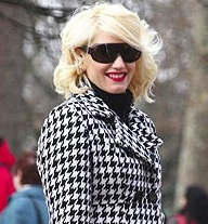 Stars Love a Bargain Too: Gwen Stefani's Express Coat