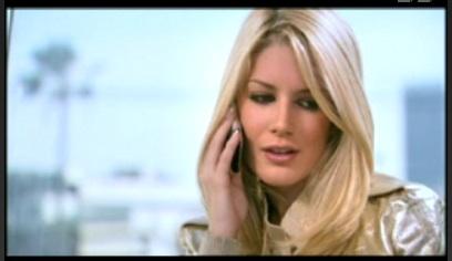 Heidi Opts For an iPhone This Season
