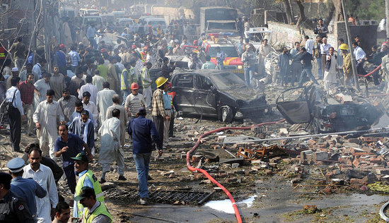Bombs Kill More Than 20 in Pakistan