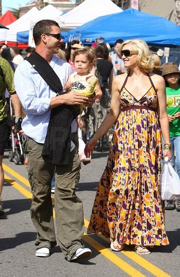 Pregger Gwen Stefani and rocker husband Gavin Rossdale took their son Kingston down to the Farmer's Market in Studio City.