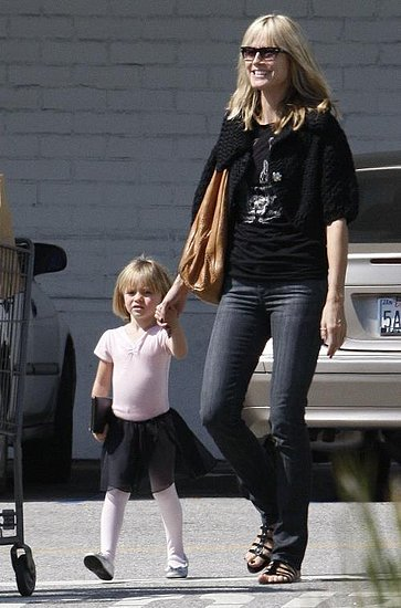 Project Runway's Heidi Klum and her mini–me daughter Leni went grocery shopping at 'Bristol Farms' in West Hollywood.