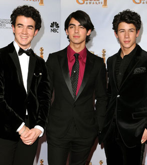 Photo of the Jonas Brothers, Who Surprised Malia and Sasha Obama After the Inauguration