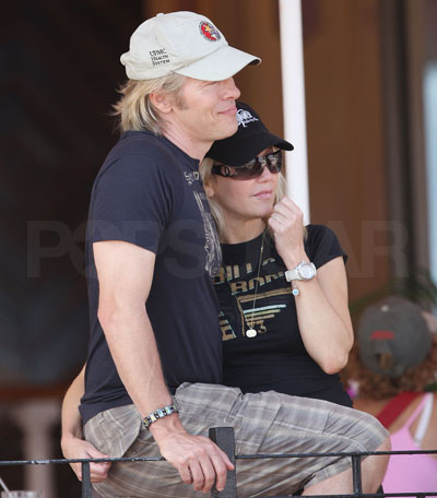 Heather Locklear and Jack Wagner Enjoy a PDA