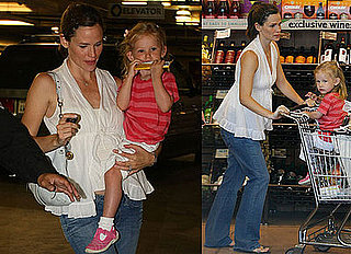 Photos of Probably Pregnant Jennifer Garner with Violet At Whole Foods