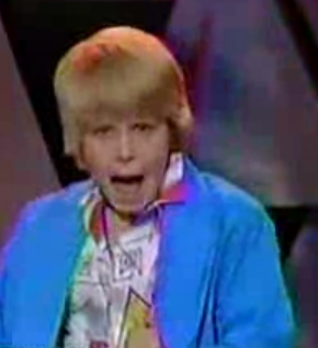 """Duffy Lucas Performs """"Sussudio"""" on Puttin' on the Kids"""