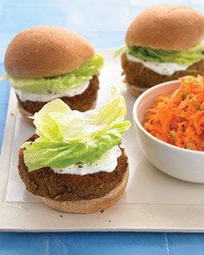 Fast & Easy Dinner: Veggie Burgers With Mint-Yogurt Sauce