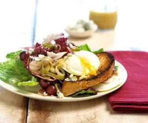 Fast & Easy Dinner: Poached Egg Salad