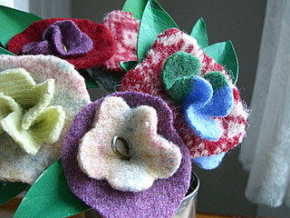 Lil Links: Felt Flowers Make Love Bloom on Valentine's Day