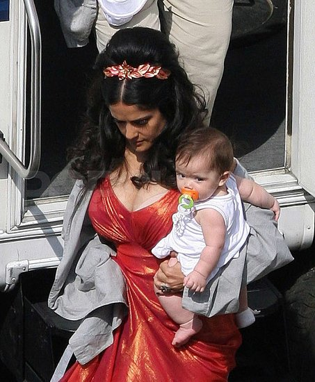 Salma and Valentina on set.