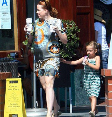 Famous Redhead Molly Ringwald and Her Tag-Along Daughter Mathilda Pick Up Starbucks