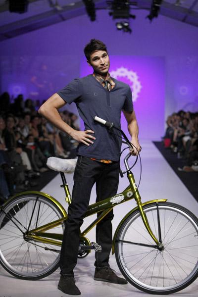 L'Oreal Toronto Fashion Week: Gsus Sindustries Spring 2009