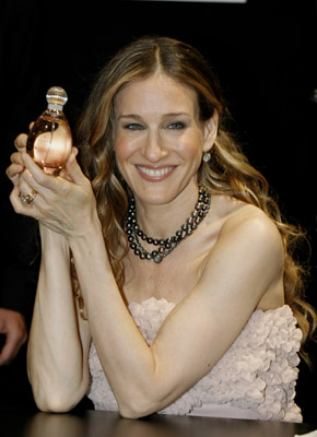 Sarah Jessica Parker discusses new perfume and Sex and the City